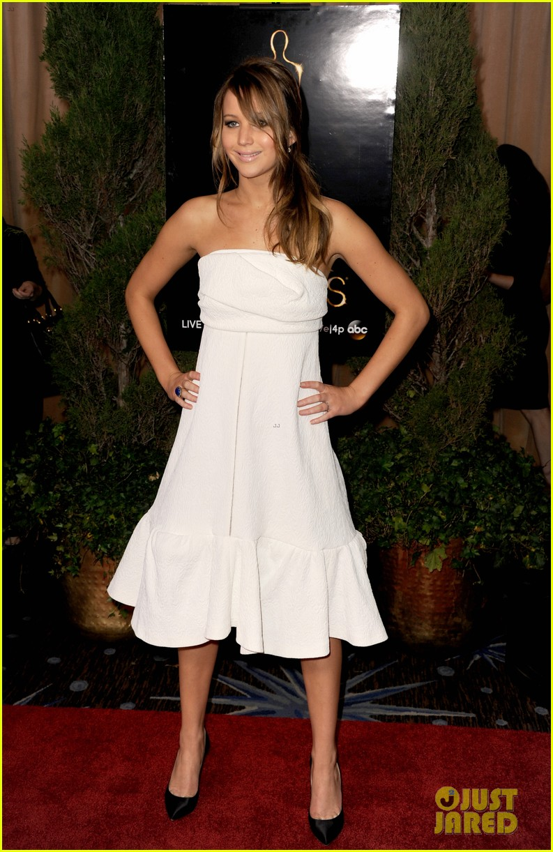 jennifer lawrence oscar nominees luncheon 2013 03