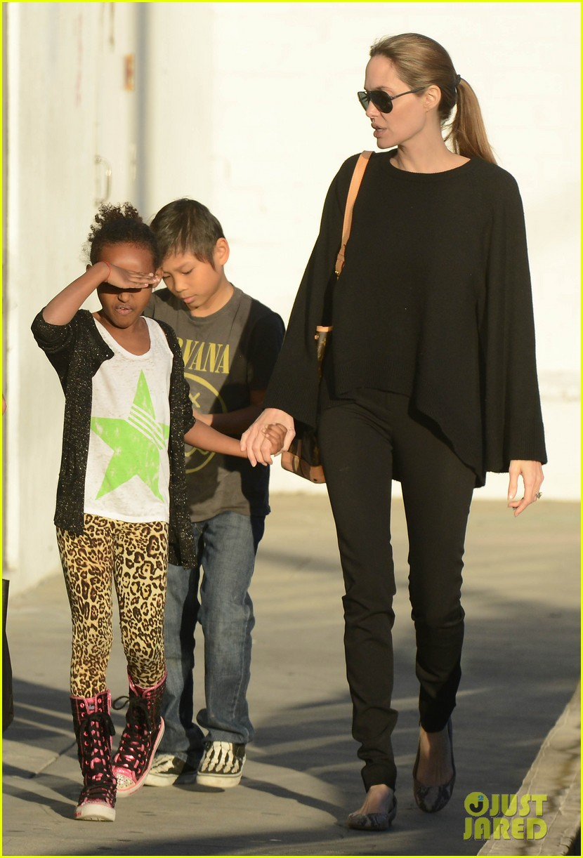 angelina jolie zahara pax urban outfitters shoppers 092812033