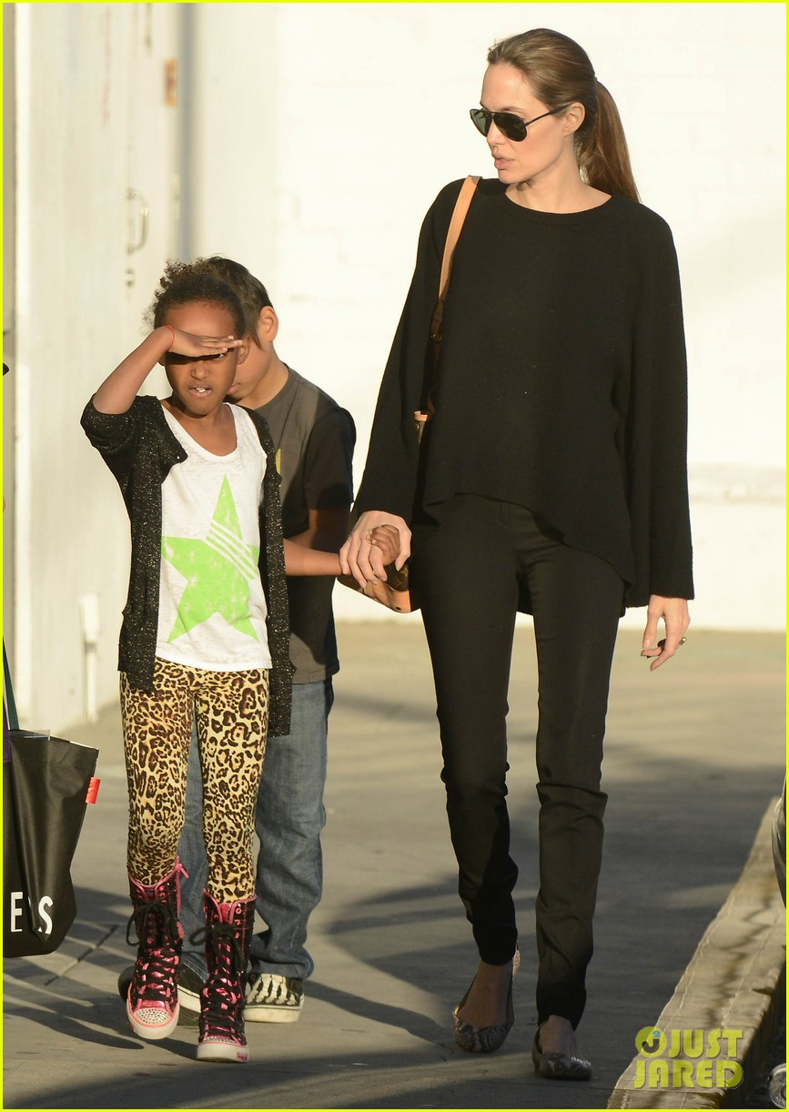 angelina jolie zahara pax urban outfitters shoppers 11