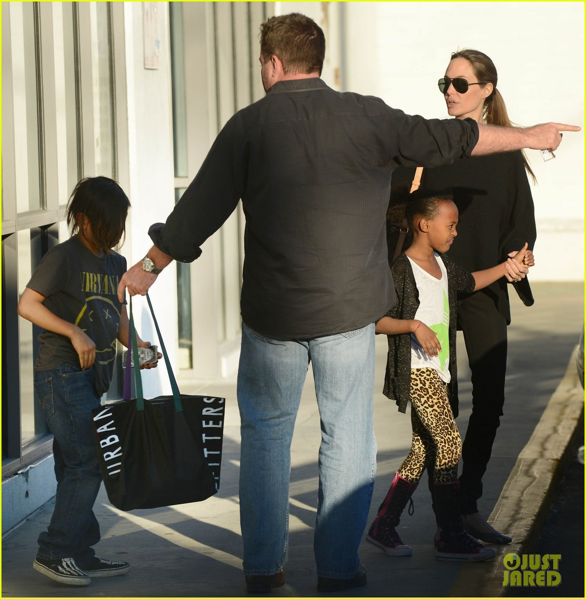 angelina jolie zahara pax urban outfitters shoppers 23