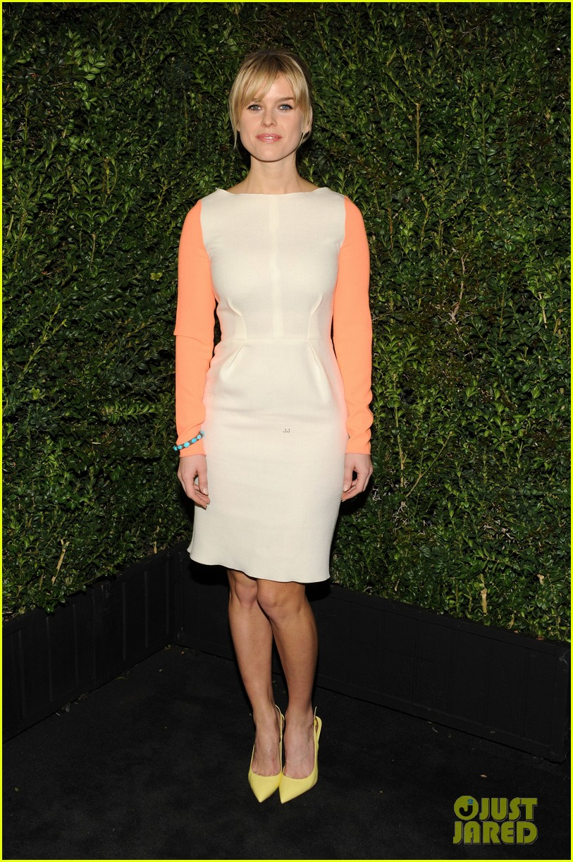 january jones rose byrne chanel pre oscars dinner 2013 03