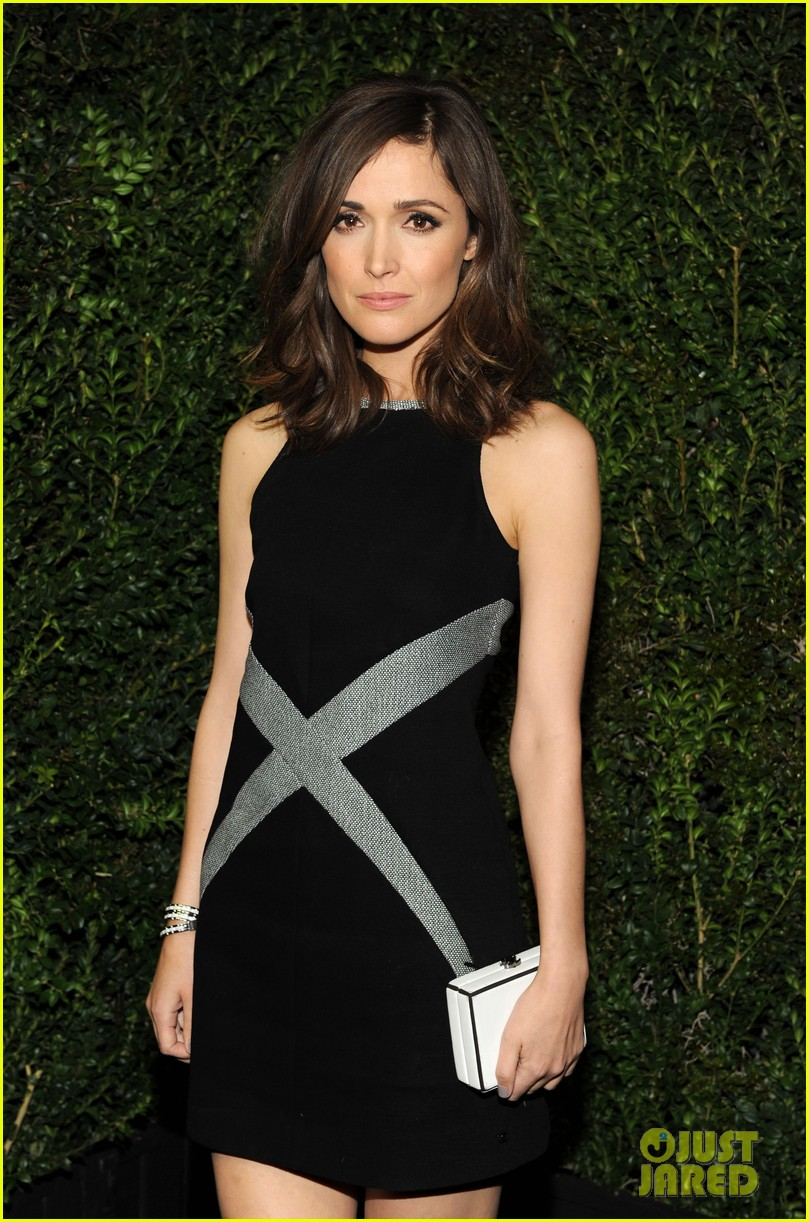 january jones rose byrne chanel pre oscars dinner 2013 04
