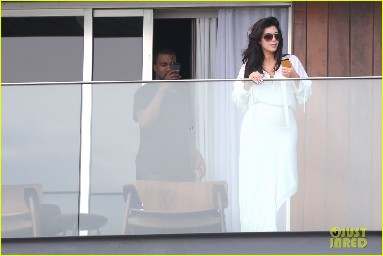 kim kardashian kanye west balcony fun with will smith 17