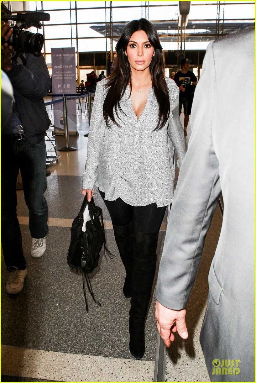 kim kardashian pregnant divorce trail date set 03