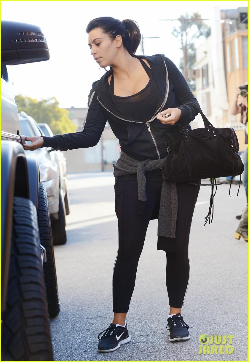 kim kardashian i found the perfect maternity jeans 052821316