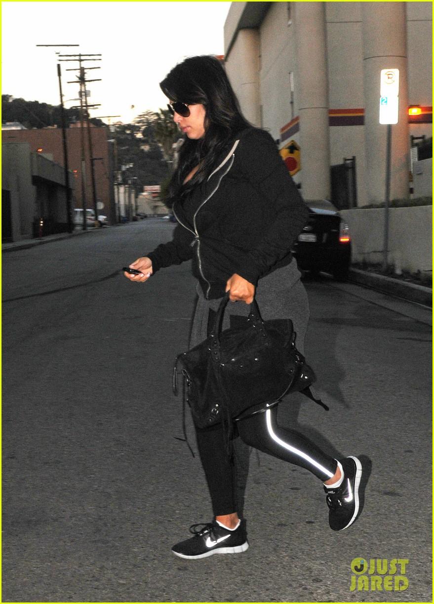 kim kardashian i found the perfect maternity jeans 082821319