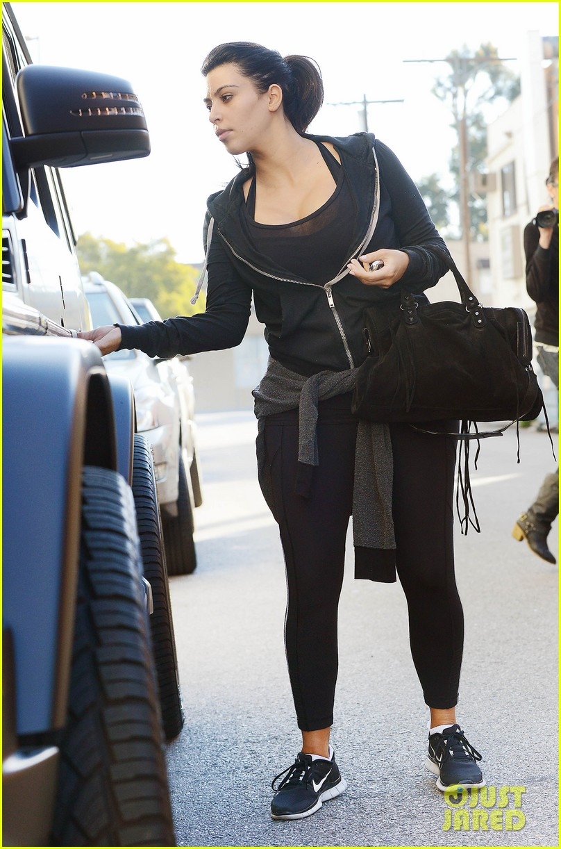 kim kardashian i found the perfect maternity jeans 20
