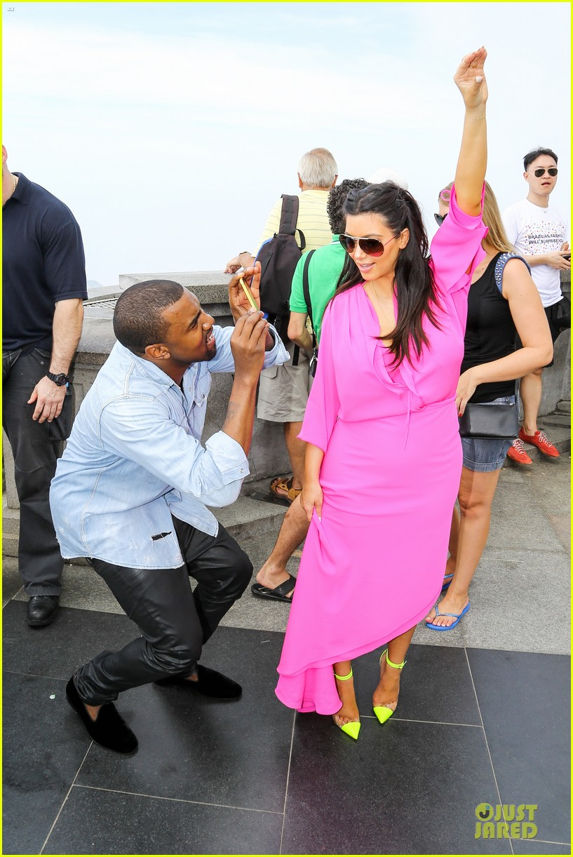 pregnant kim kardashian kanye west rio sightseeing couple 01
