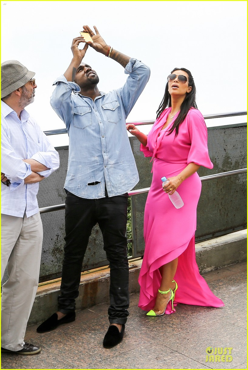 pregnant kim kardashian kanye west rio sightseeing couple 03