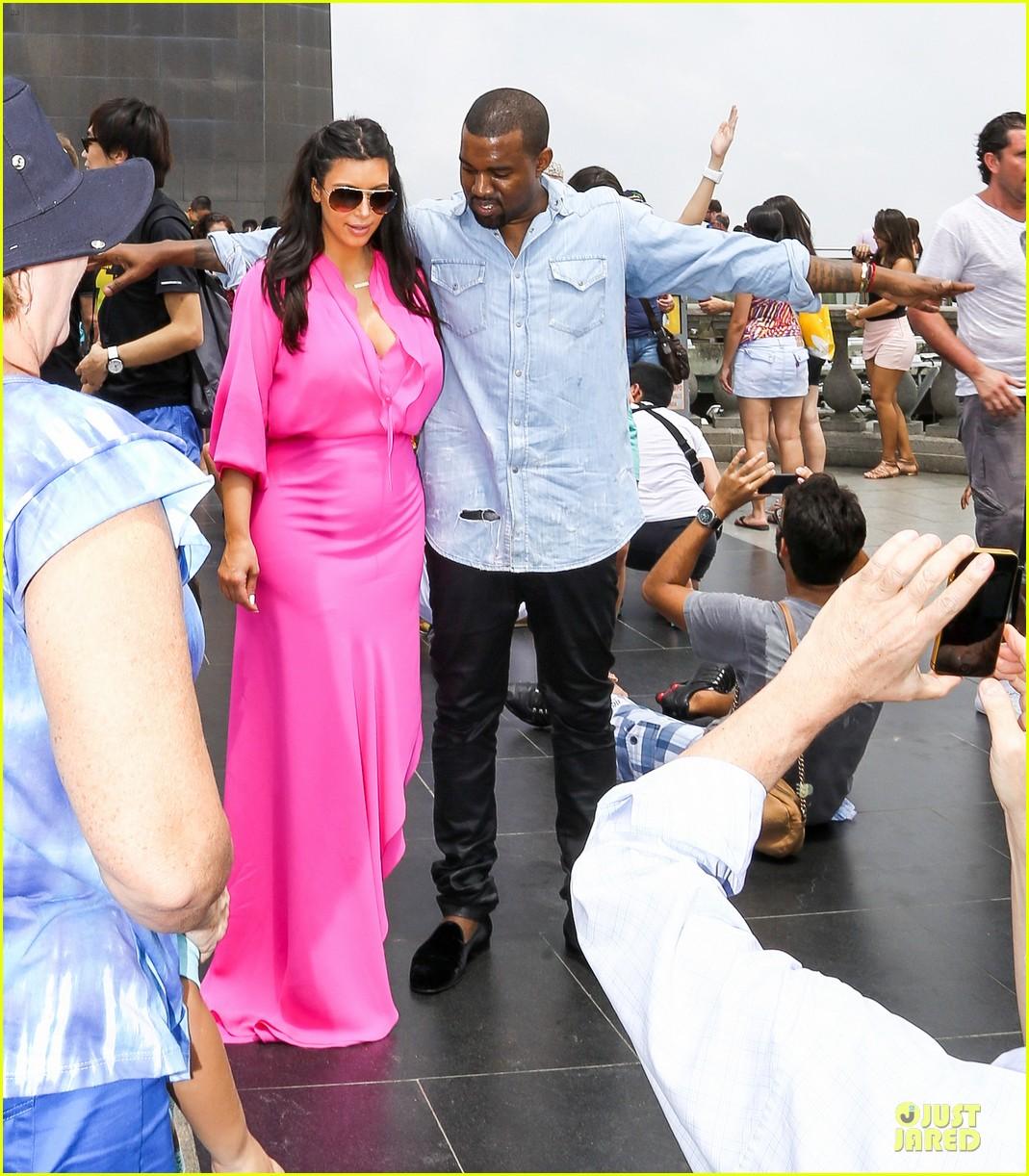 pregnant kim kardashian kanye west rio sightseeing couple 10