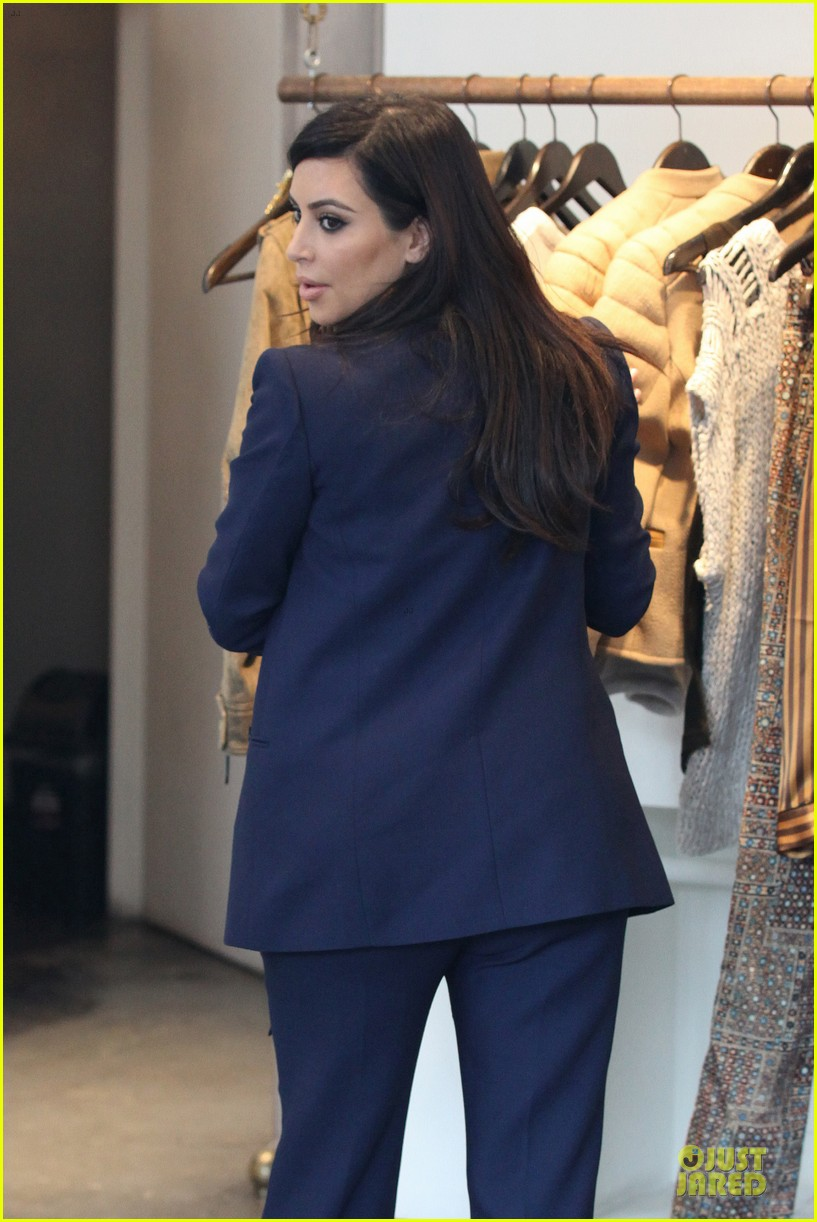 kim kardashian suiting baby bump 09