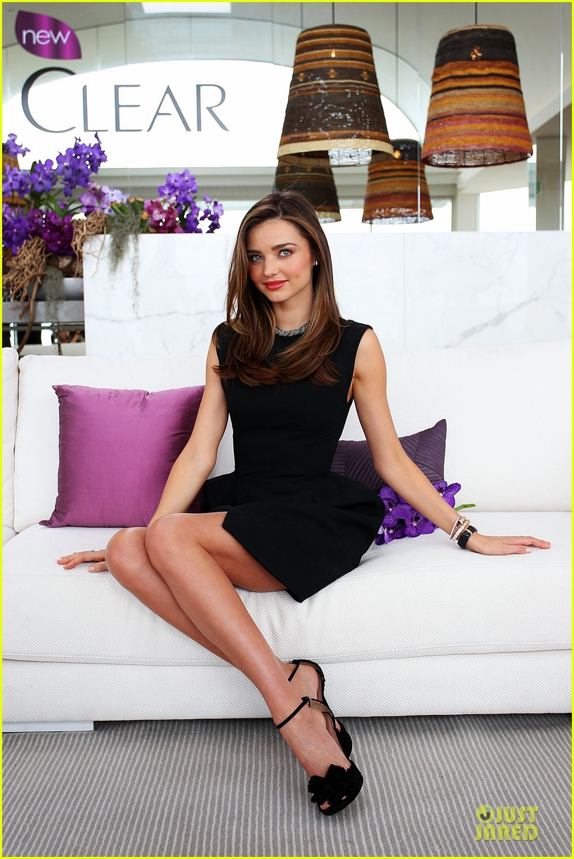miranda kerr clear scalp hair beauty therapy ambassador media call 072810866