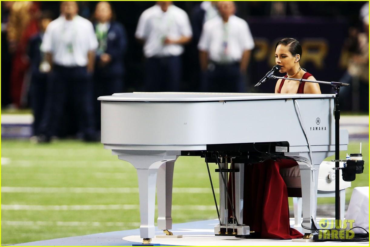 alicia keys super bowl 2013 national anthem video 062804214