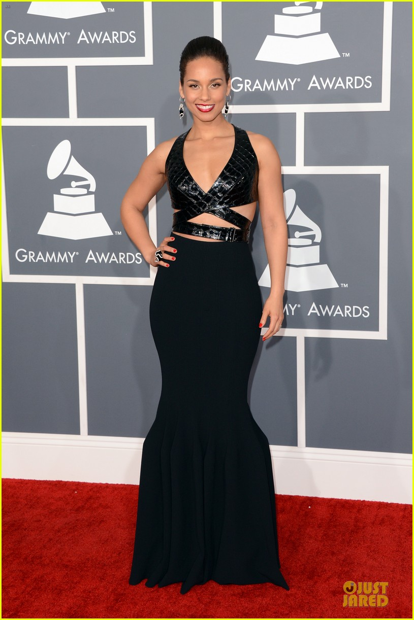 alicia keys swizz beatz grammys 2013 red carpet 052809362
