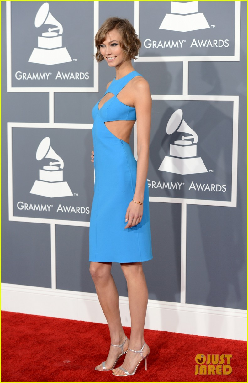 karlie kloss grammys 2013 red carpet 04