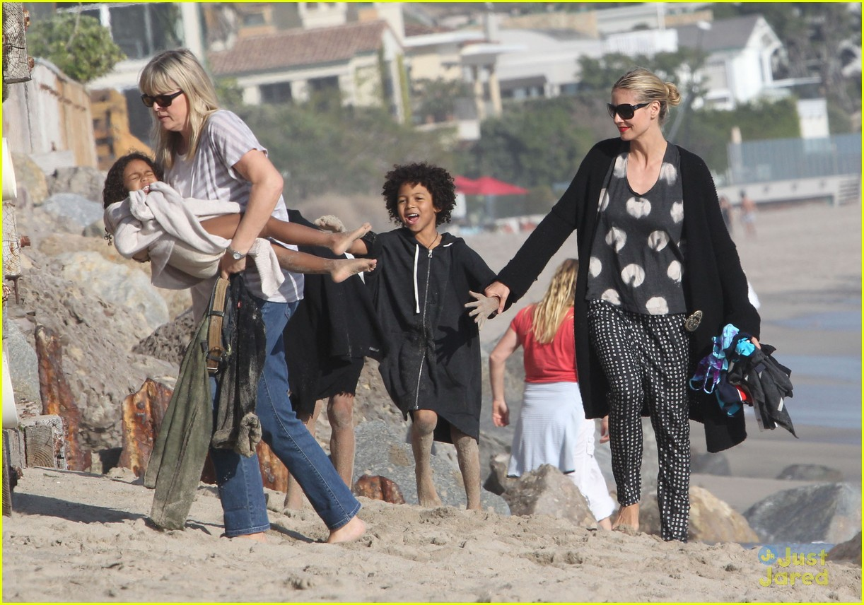 heidi klum martin kirsten beach day with the kids 32