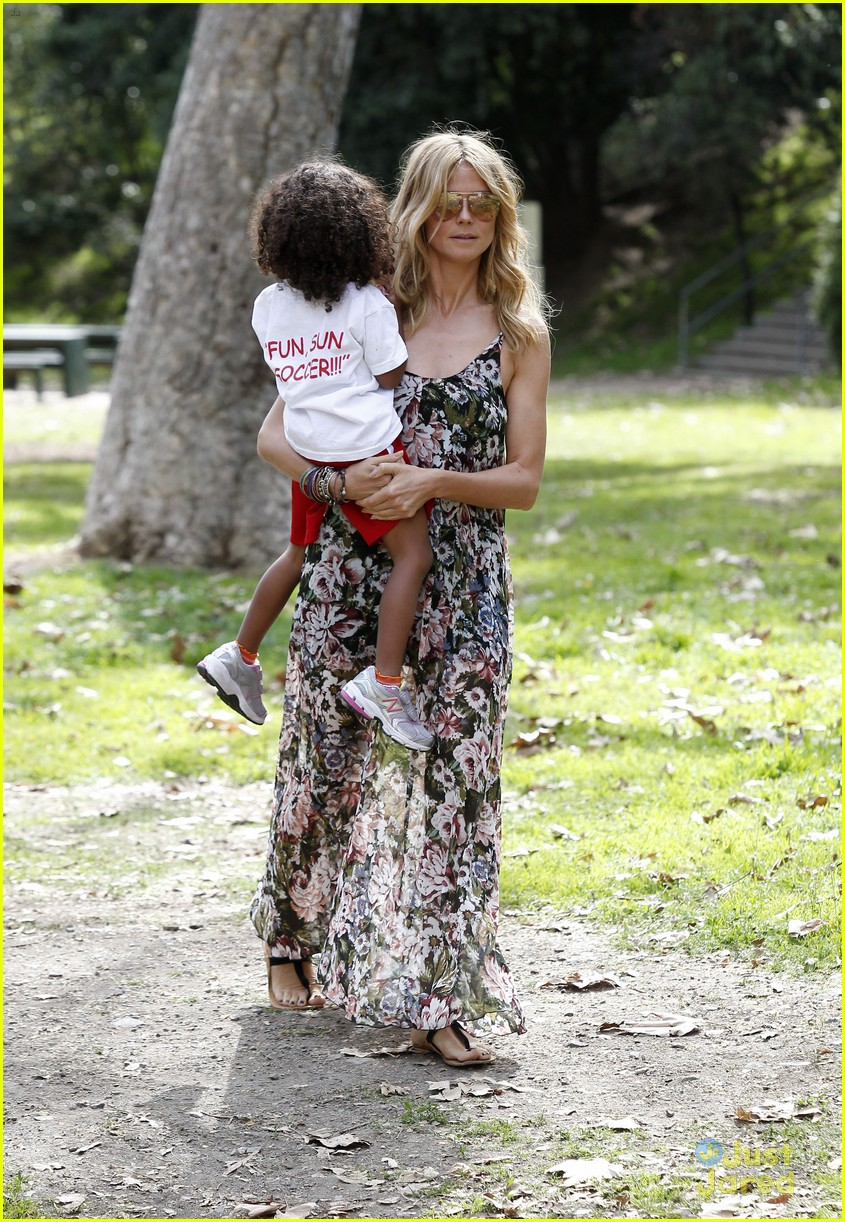 heidi klum martin kirsten beach day with the kids 342814924