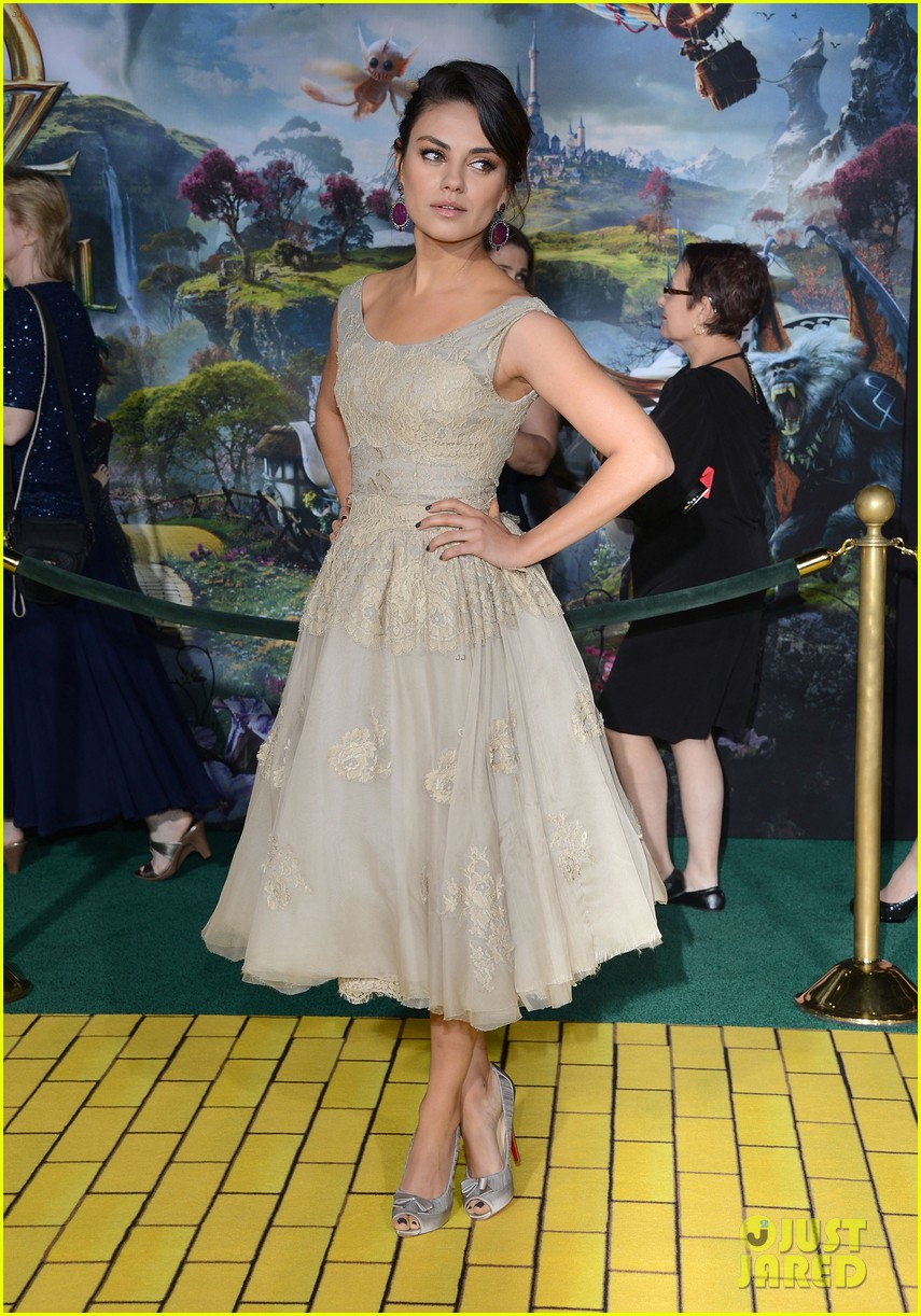 mila kunis james franco oz the great and powerful premiere 22