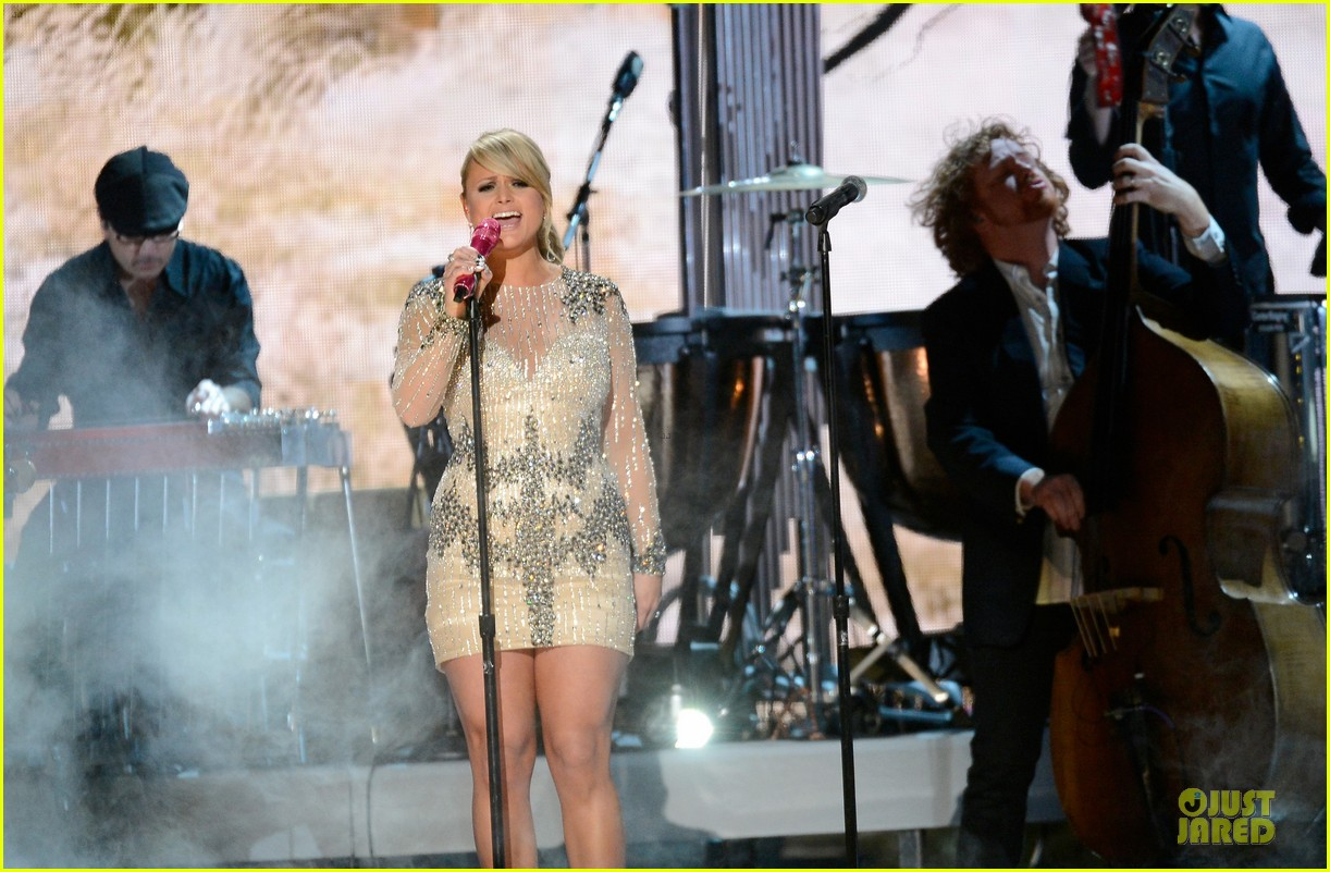 miranda lambert dierks bentley grammys 2013 performance watch now 06