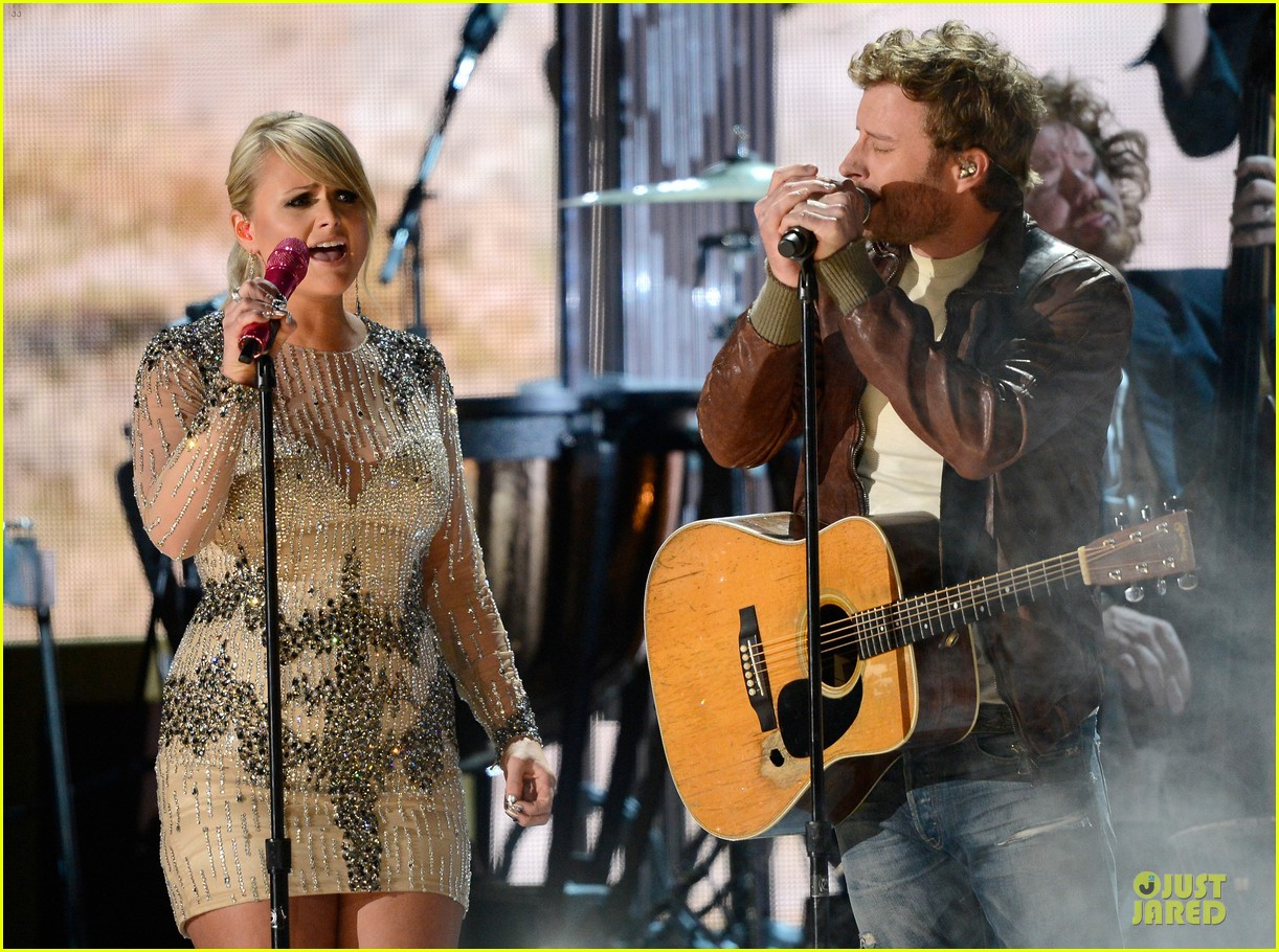 miranda lambert dierks bentley grammys 2013 performance watch now 09