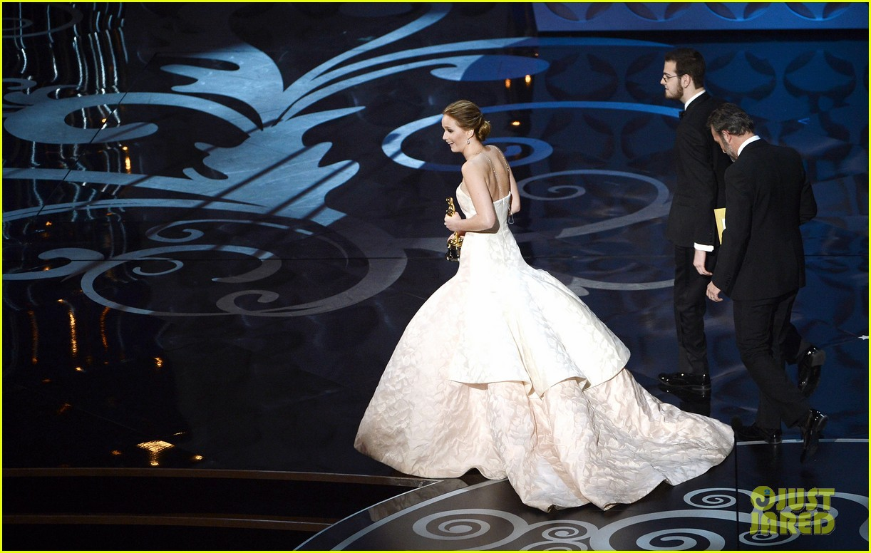jennifer lawrence wins best actress falls on stage 09