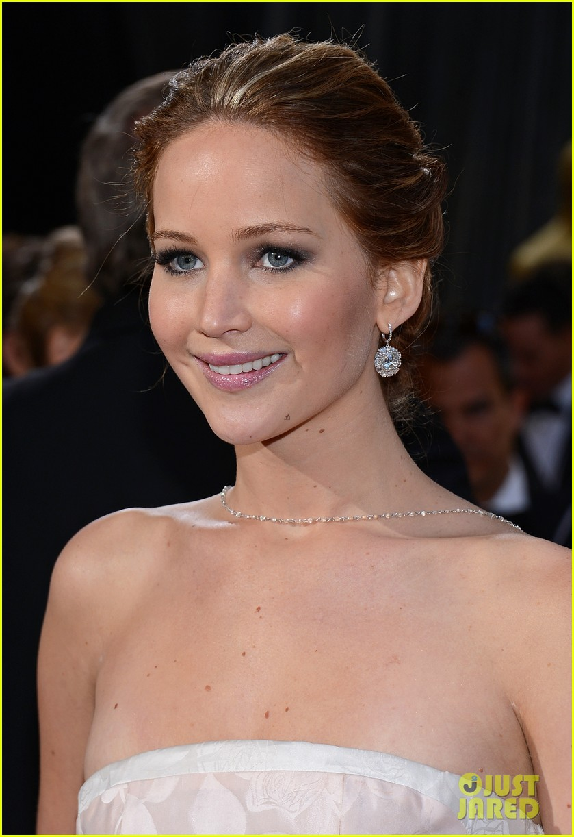 jennifer lawrence wins best actress falls on stage 20
