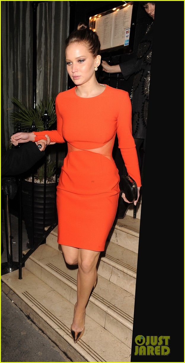 jennifer lawrence nozomi dinner in london 05