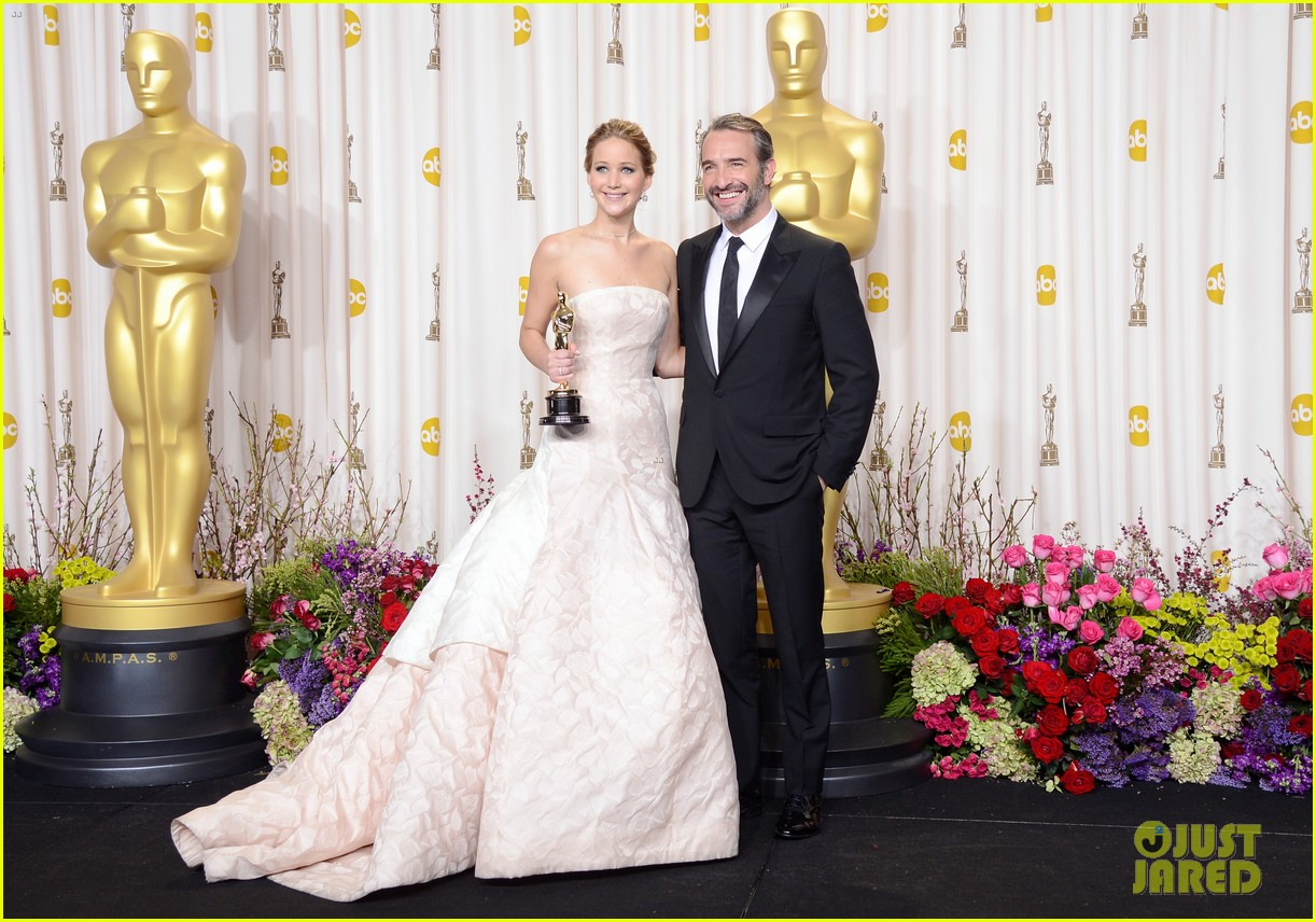 jennifer lawrence oscars press room photos 2013 05