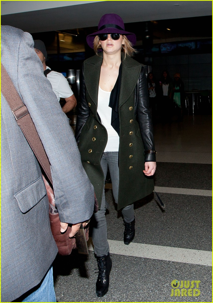 jennifer lawrence takes off to london for baftas 05