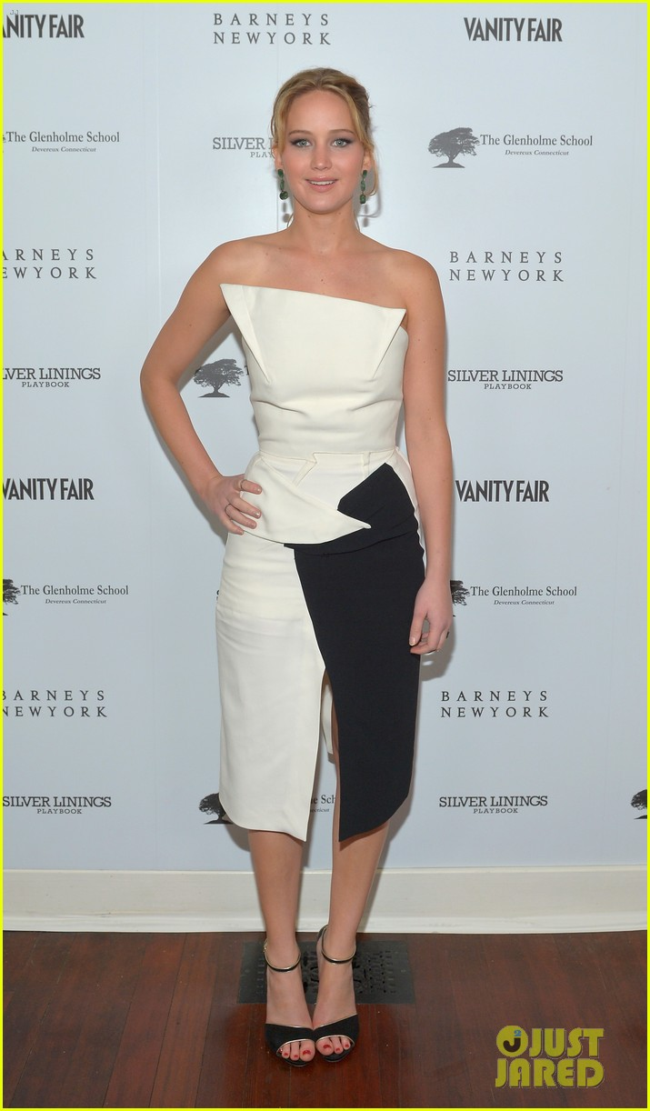 jennifer lawrence bradley cooper vanity fair pre oscar party 2013 10