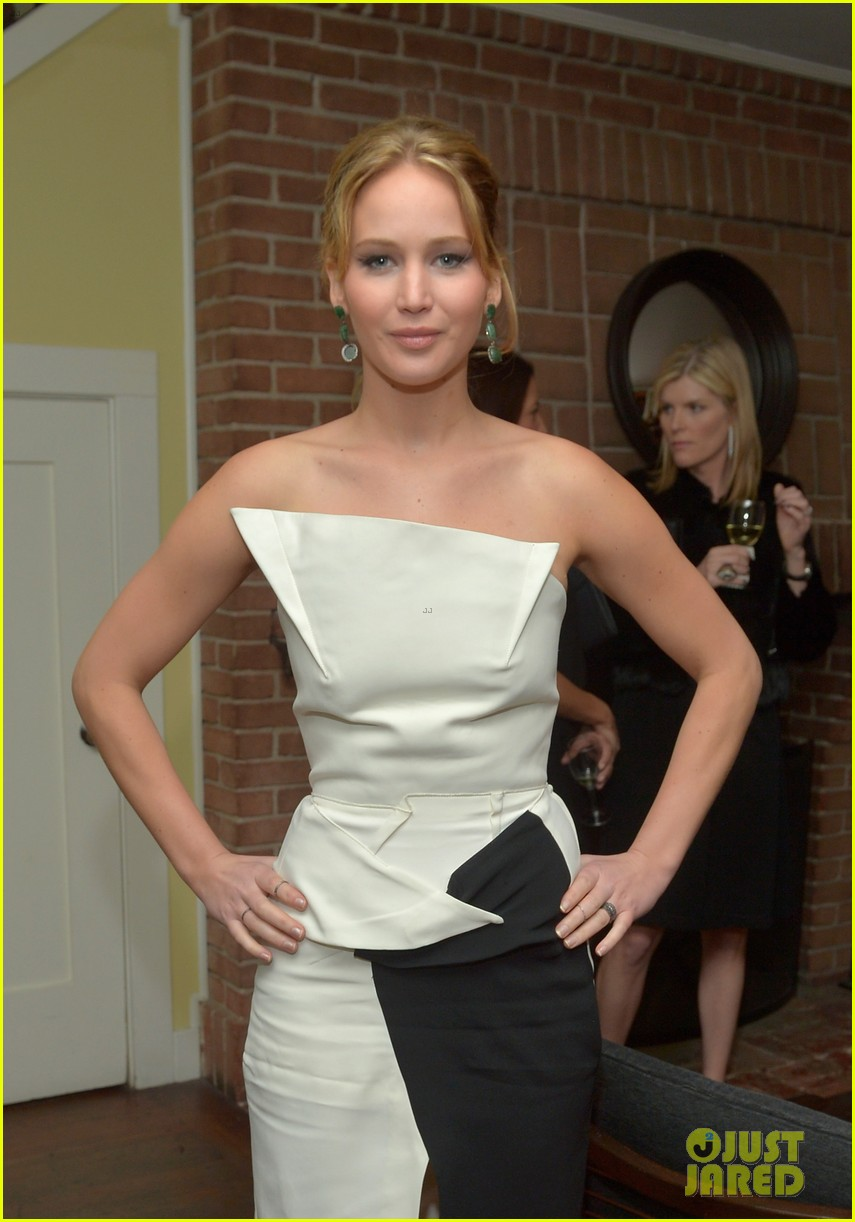 jennifer lawrence bradley cooper vanity fair pre oscar party 2013 23