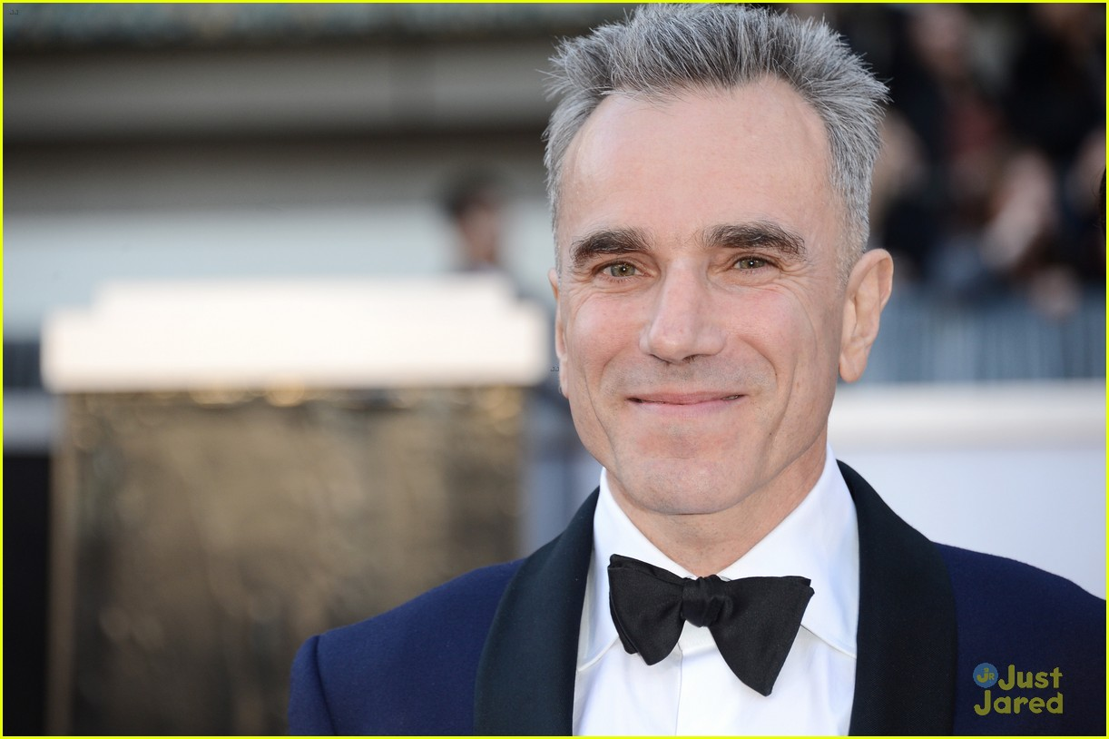 daniel day lewis oscars 2013 red carpet 08