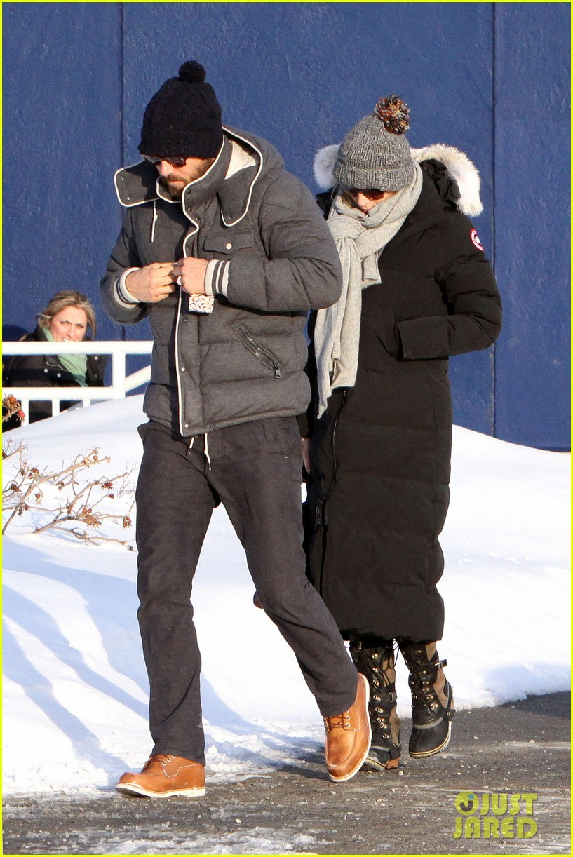 blake lively ryan reynolds snowy weekend in canada 29