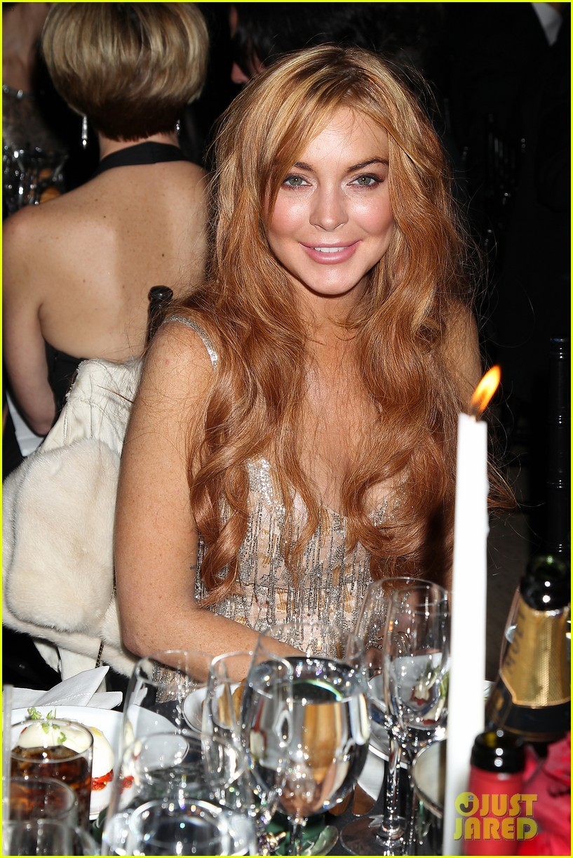 lindsay lohan ashley greene amfar new york gala 2013 02