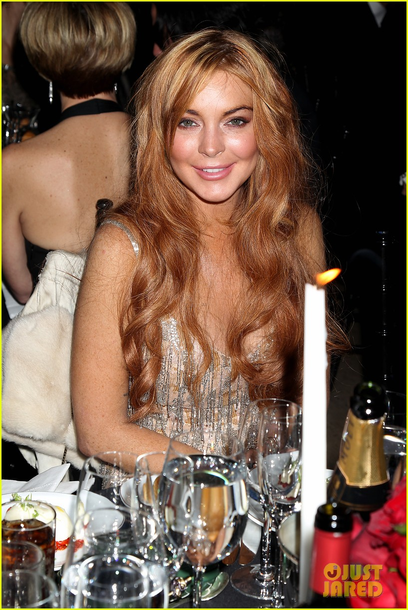 lindsay lohan ashley greene amfar new york gala 2013 14