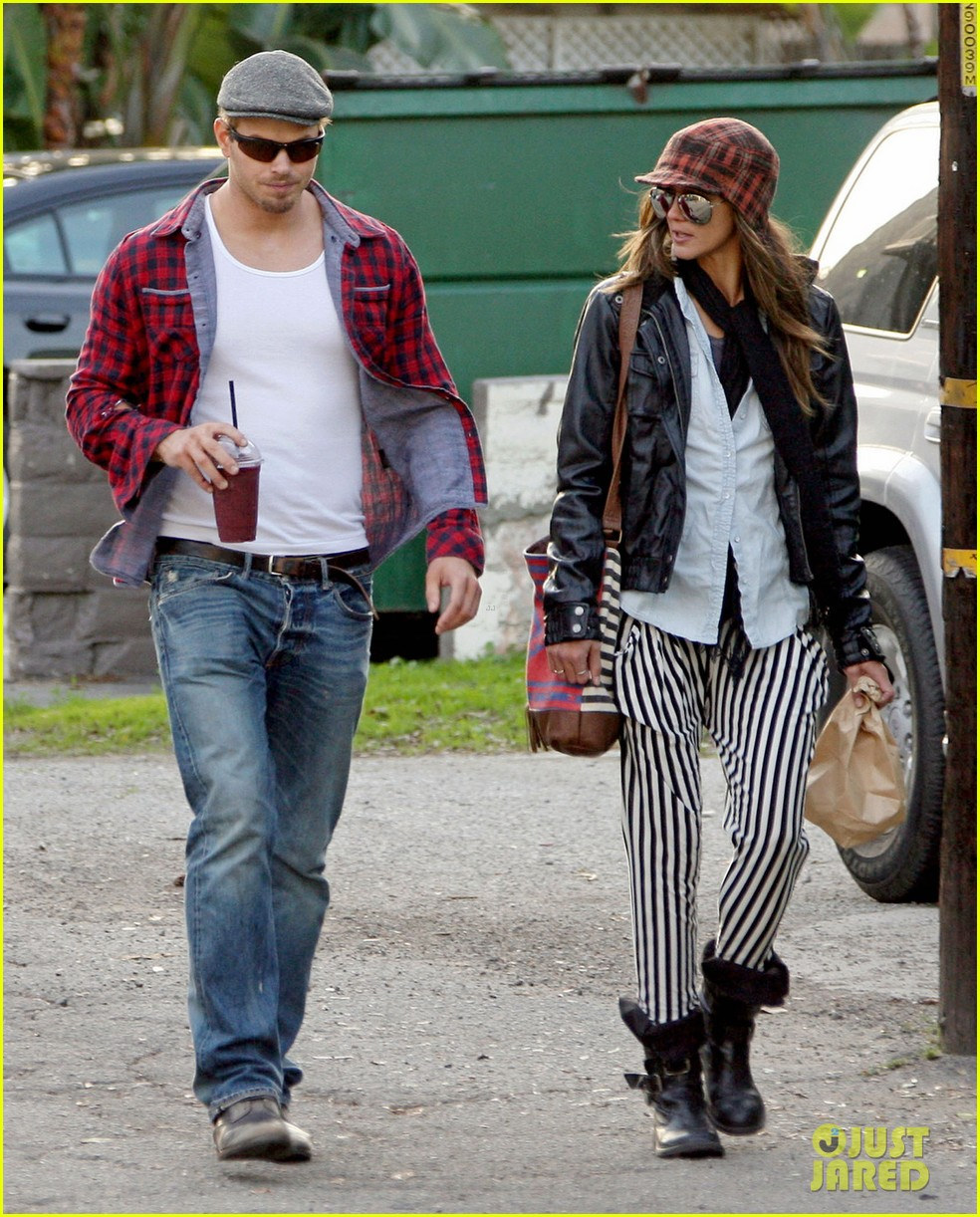 kellan lutz sharni vinson snacks smoothies 03