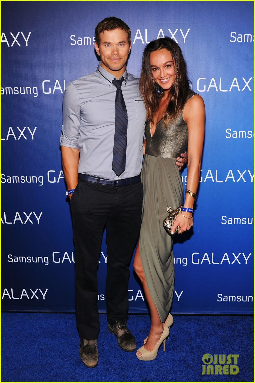 kate walsh kellan lutz samsung super bowl party 01