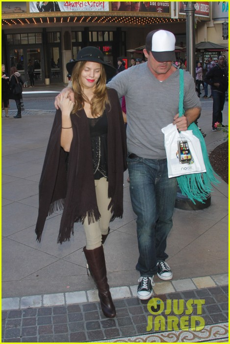 annalynne mccord dominic purcell the grove couple 182808735