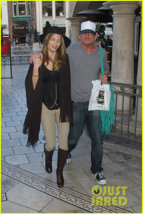 annalynne mccord dominic purcell the grove couple 24