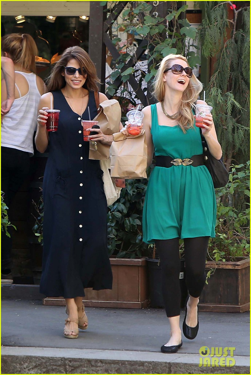 eva mendes the trails at griffith park lunch 04