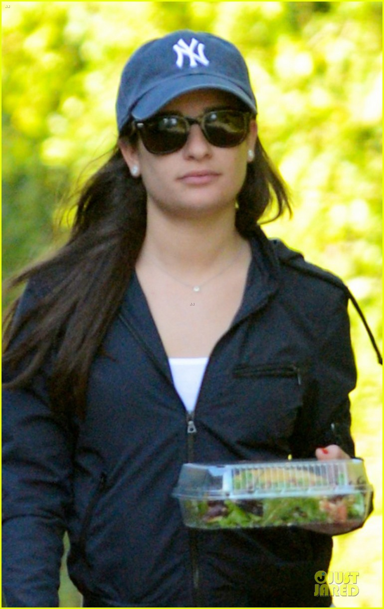 lea michele lea michele aroma cafe lunch 02