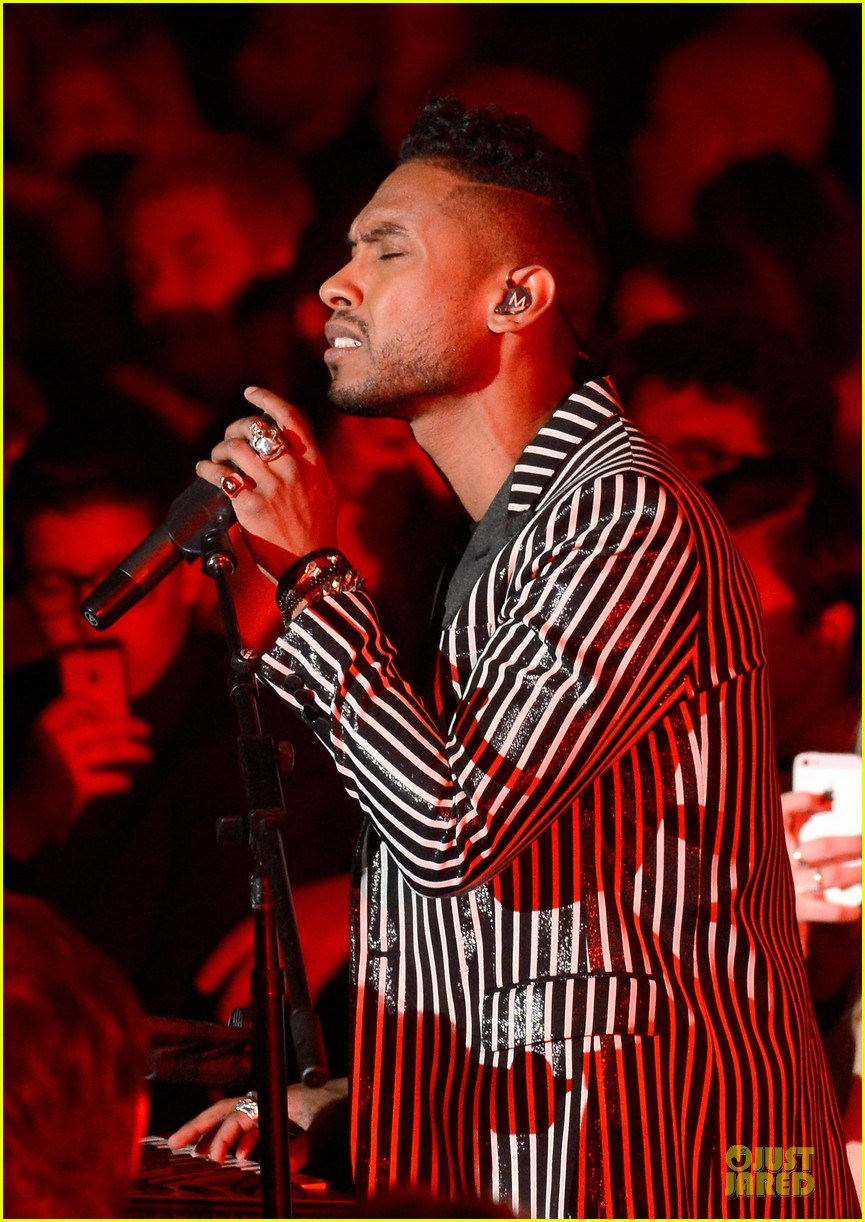 miguel wiz khalifa grammys 2013 performance watch now 02