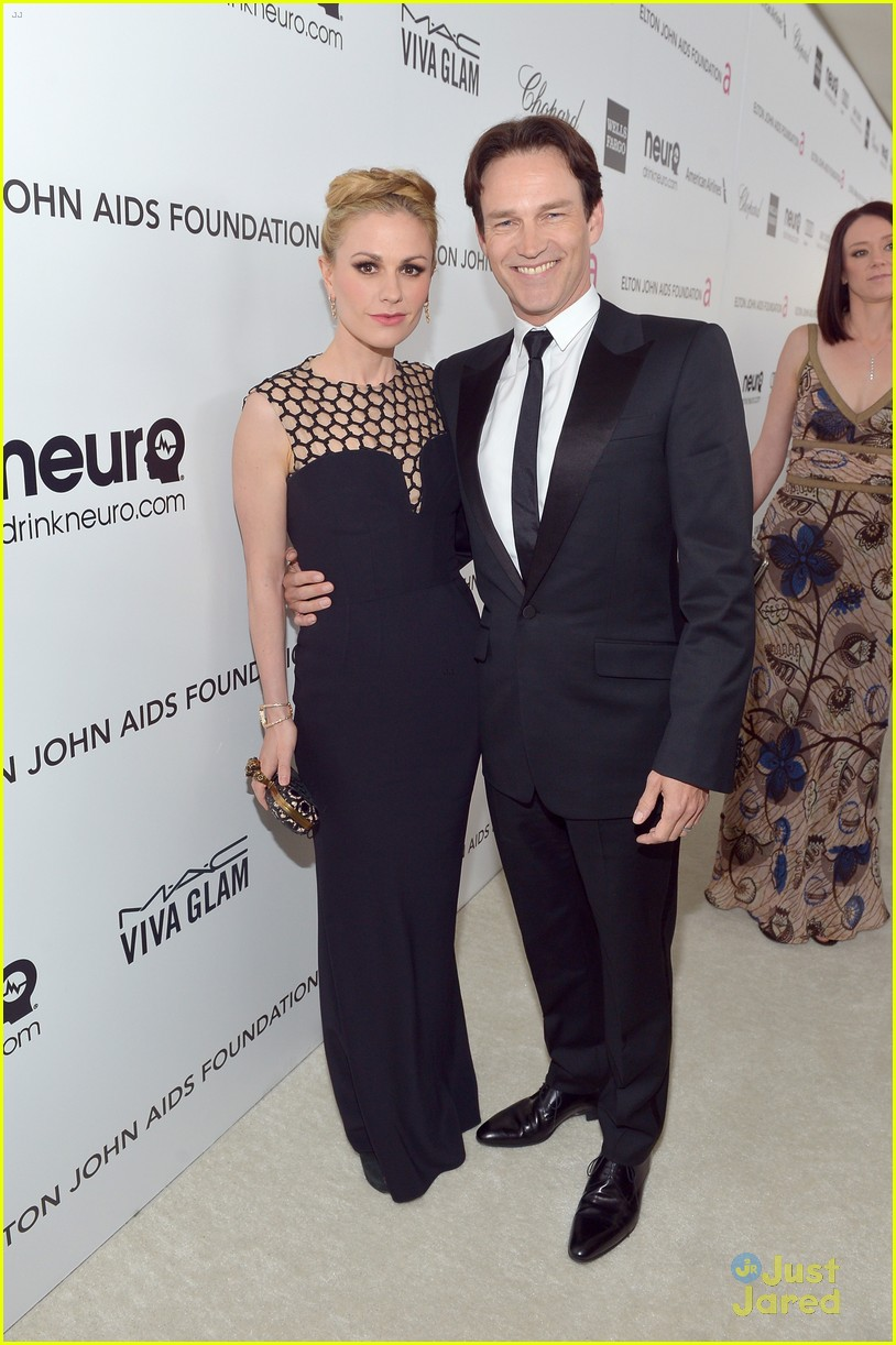 anna paquin stephen moyer elton john oscars party 2013 052819313
