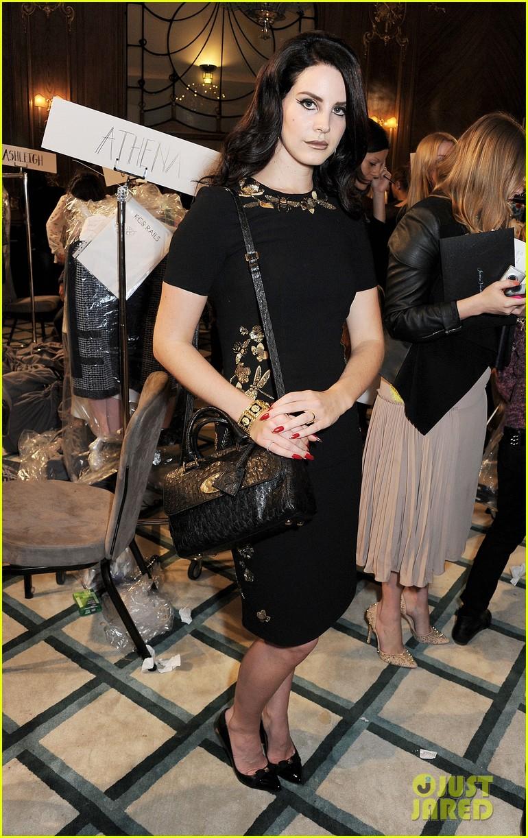 lana del rey sam claflin mulberry fashion show 22