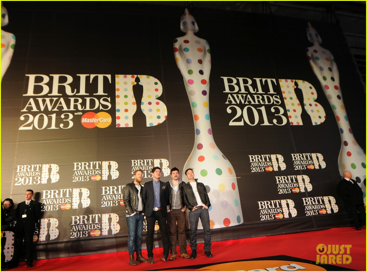 mumford and sons brit awards 2013 performance video 03