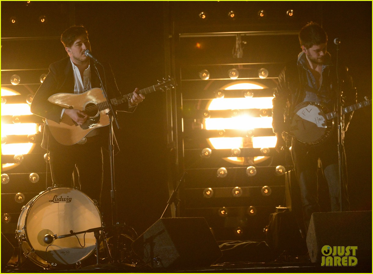 mumford sons i will wait grammys 2013 performance watch now 032809528