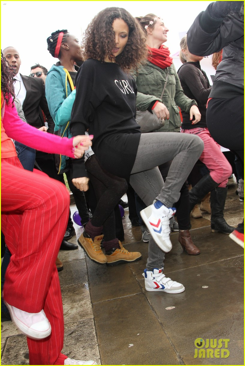 thandie newton one billion rising flashmob in london 05