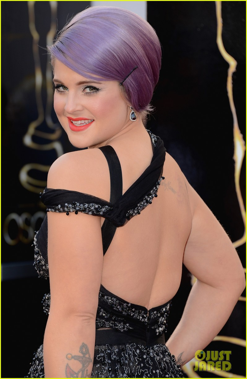 kelly osbourne guiliana rancic oscars 2013 red carpet 02