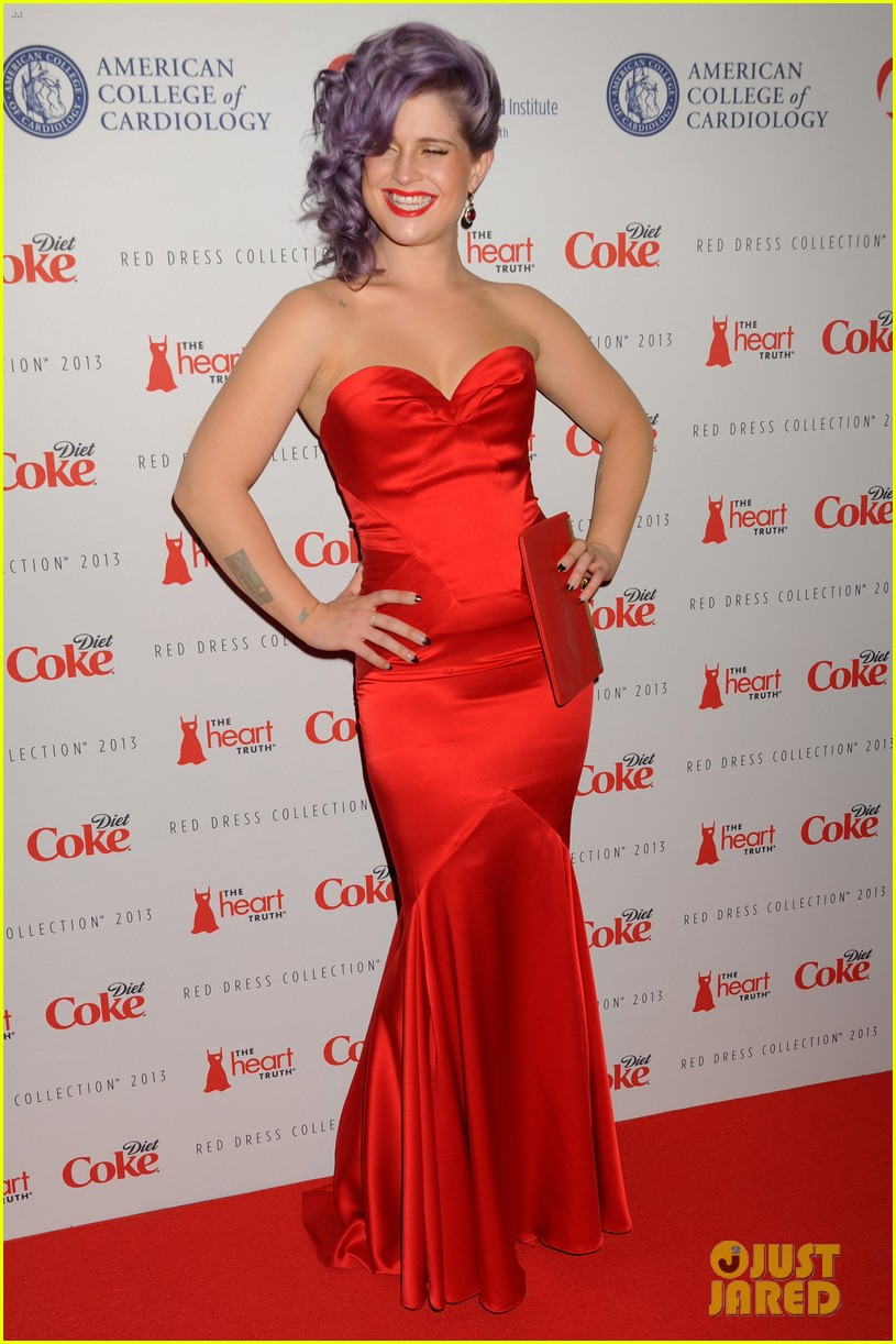 kelly osbourne jamie chung red dress fashion show 2013 01