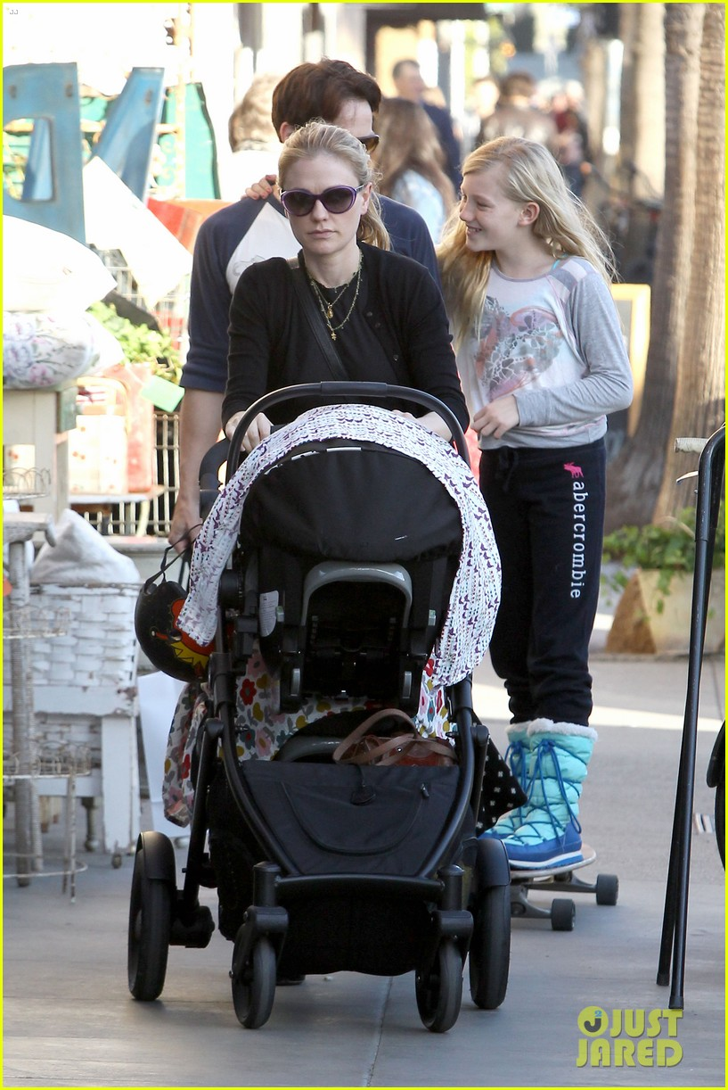 anna paquin shopping with one of her twins 19